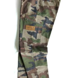 Todella kestävät housut joka käyttöön. Tähän mennessä vahvin käyttämistämme kangasmateriaaleista!